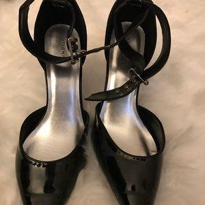 Fioni black heels w/strap